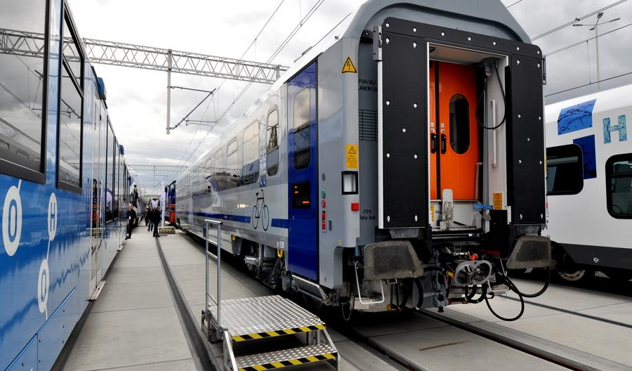 Pierwsze nowe wagony z Cegielskiego dla PKP Intercity na Trako [zdjęcia]