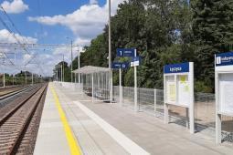 PLK przebudowuje perony w Świętokrzyskiem i zbuduje nowy pod Nidzicą