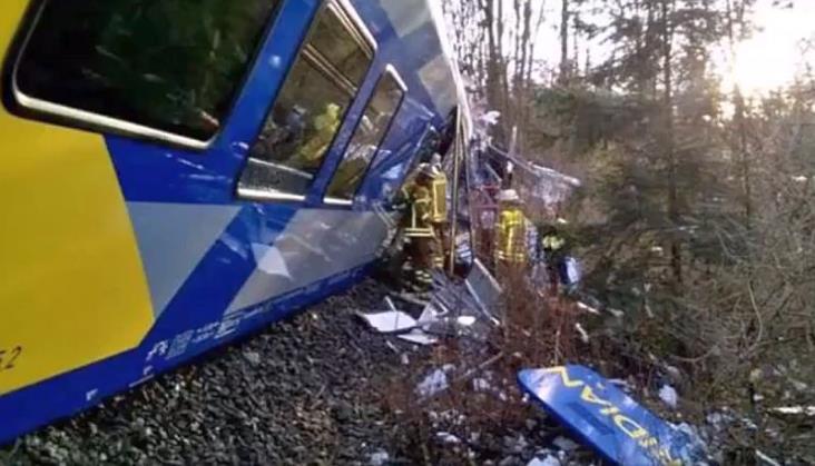 Katastrofa kolejowa w Niemczech. 9 ofiar śmiertelnych [aktualizacja]
