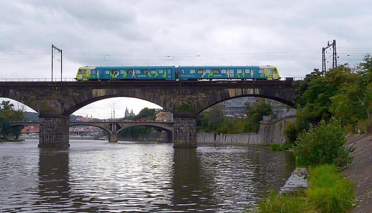 Ekspresem przez media: Czeska Arriva rozszerzy działalność i kupi pociągi?