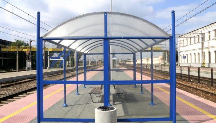PLK przygotowuje wytyczne dotyczące wiat na peronach