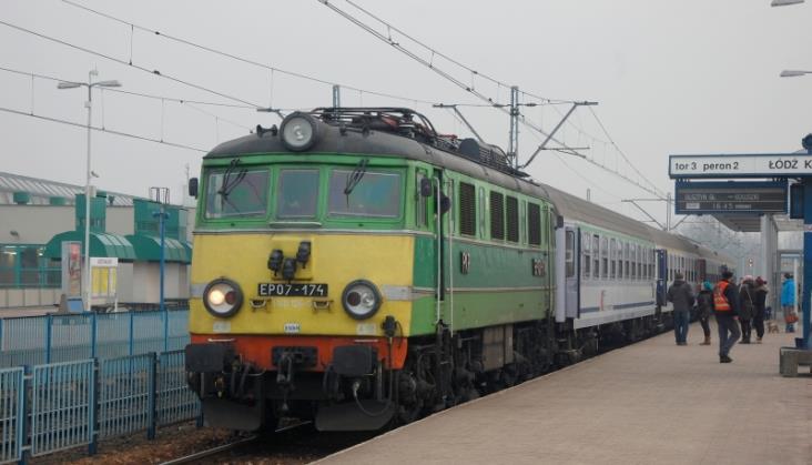 PKP Intercity pożyczy 5 lokomotyw na sezon letni
