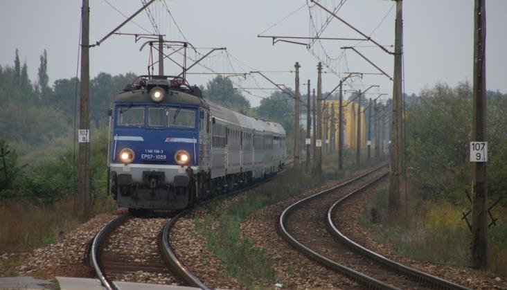 Regionalnym przez media: Problemy na i przy kolei