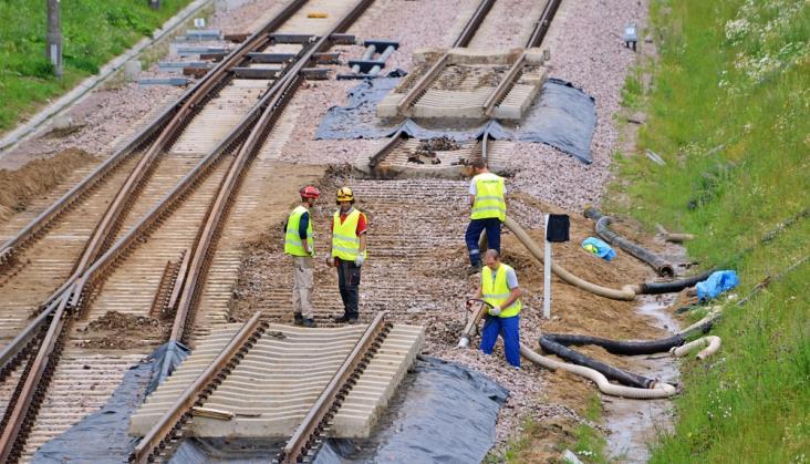 PKM: Kolejne odcinki linii po wielkiej ulewie otworzymy we wrześniu