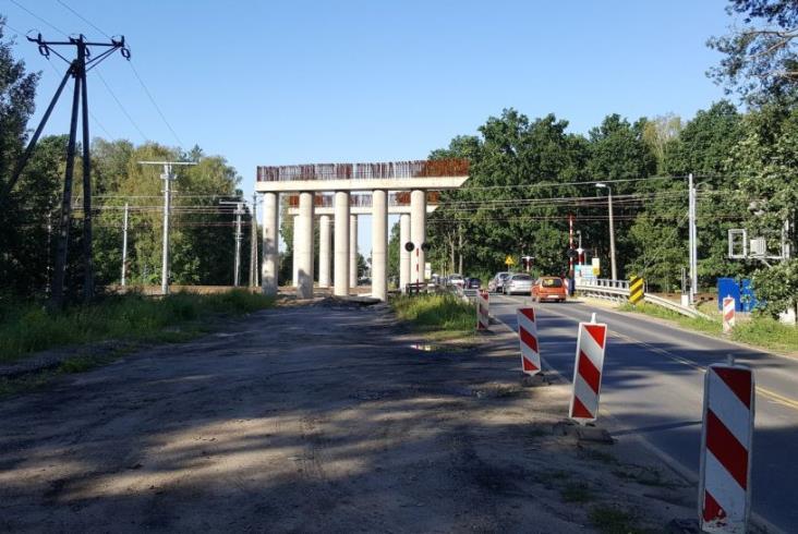 Rozgrzebany wiadukt nad Rail Baltiką w Zielonce