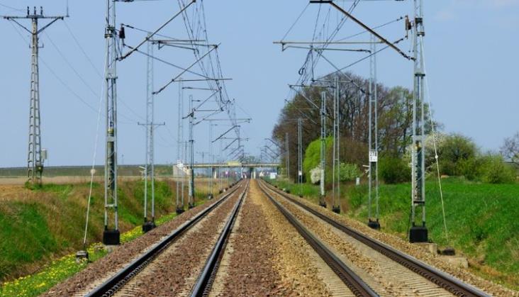 ProKolej: Modernizacja linii Warszawa – Poznań to szereg znaków zapytania
