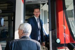 Morawiecki: Nowy tabor zamiast modernizacji