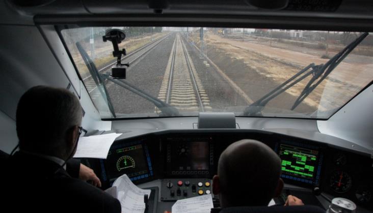 Pendolino: Pieniądze za opóźnienia za chwilę, do wakacji Wi-Fi na pokładzie