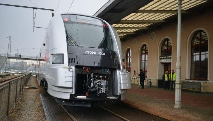 Prezydent Litwy Dalia Grybauskaite pojechała z dziećmi pociągiem z Pesy