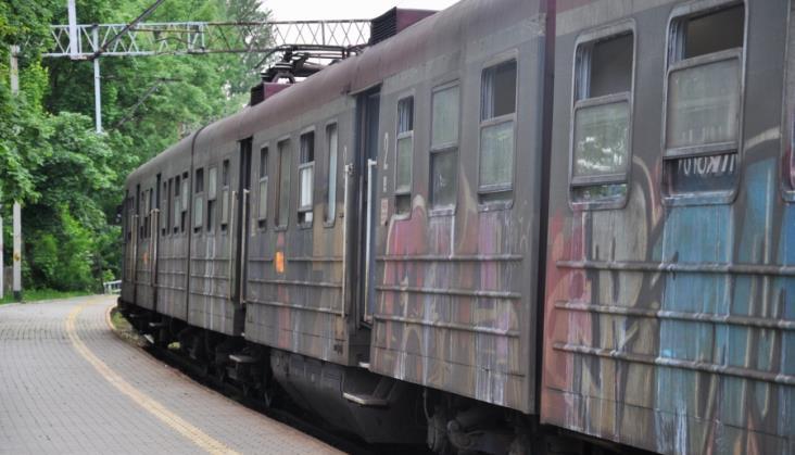 Problem z brudnymi pociągami na Śląsku. KŚ: Sytuacja już się poprawiła