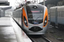 Relacja pociągu Chełm – Kowel wydłużona, rusza kolejny pociąg Przemyśl – Kijów