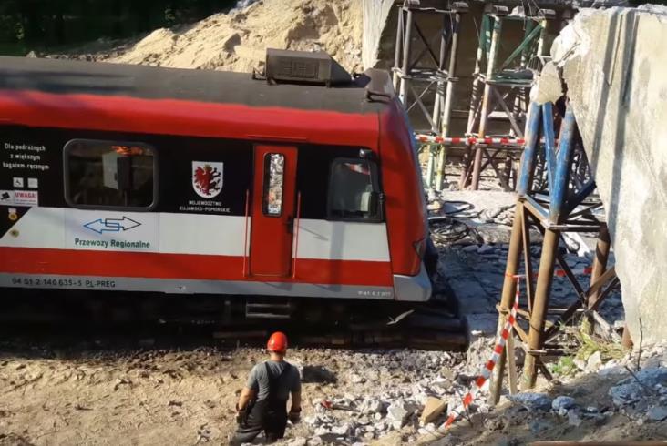 Iława: Reakcja maszynisty uratowała pasażerów [film z kabiny]