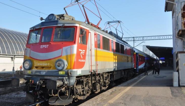 Przewozy Regionalne szukają lokomotywy na rok
