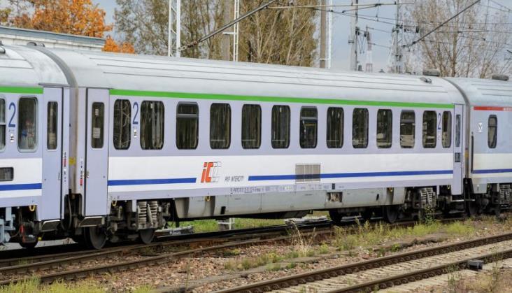 Strategia taborowa PKP Intercity a liczba miejsc w wagonach