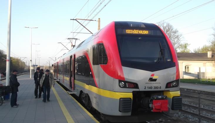 W nowym rozkładzie więcej kursów ŁKA i przyspieszone pociągi do Skierniewic. Co jeszcze?