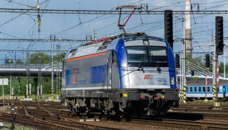 PKP IC: Przetarg na ezety i wybór dostawcy lokomotyw jeszcze w tym roku