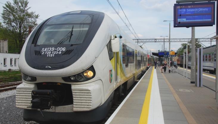 Cztery nowe spalinowe pociągi pojawią się w Lubuskiem. W tym trójczłonowe