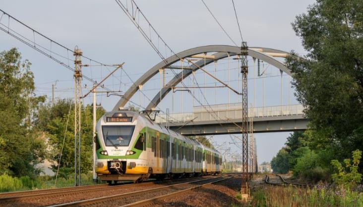 Koleje Mazowieckie przewiozły o ponad milion pasażerów więcej
