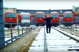 Hymn narodowy zagrany przez... lokomotywy