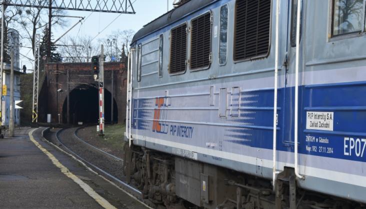 Część pociągów Warszawa – Toruń wciąż będzie jeździć przez Iławę