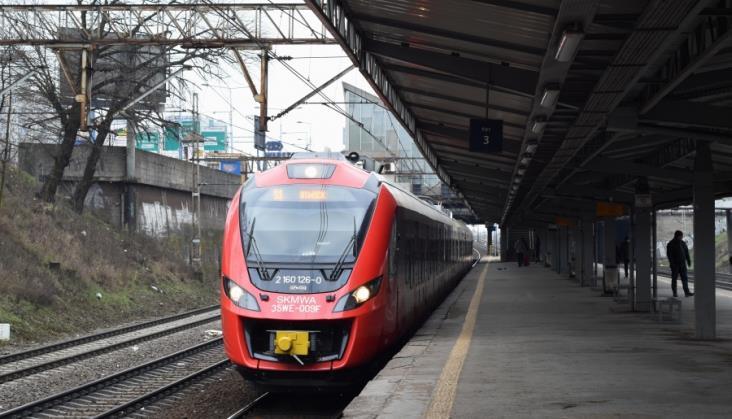 W styczniu 2018 przybyło towarów wożonych koleją. Pasażerów nieco mniej