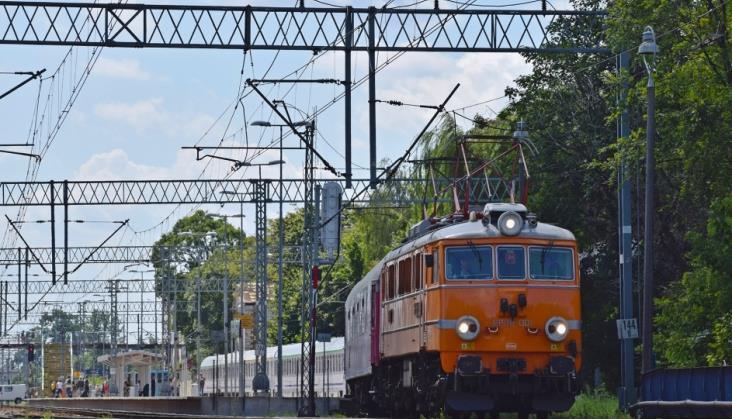 PKP Intercity wysyła na naprawy okresowe elektrowozy EP08 [aktualizacja]