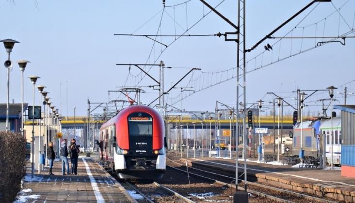 Honorowanie biletów: PKP IC współpracuje z Kolejami Wielkopolskimi i Śląskimi
