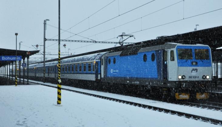 Pociąg Chopin z Warszawy do Pragi i Wiednia jedzie jeszcze dłużej