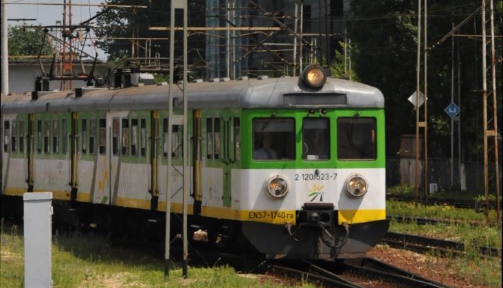 Koleje Mazowieckie wysyłają 8 EN57 na naprawy P4. Ostatni raz?