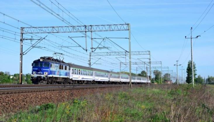 PKP IC będzie honorować bilety PR do Lubartowa; dołoży też wagon do Krakusa