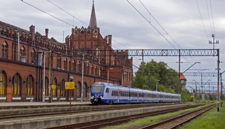 Góra: Podróż pociągiem przez Internet