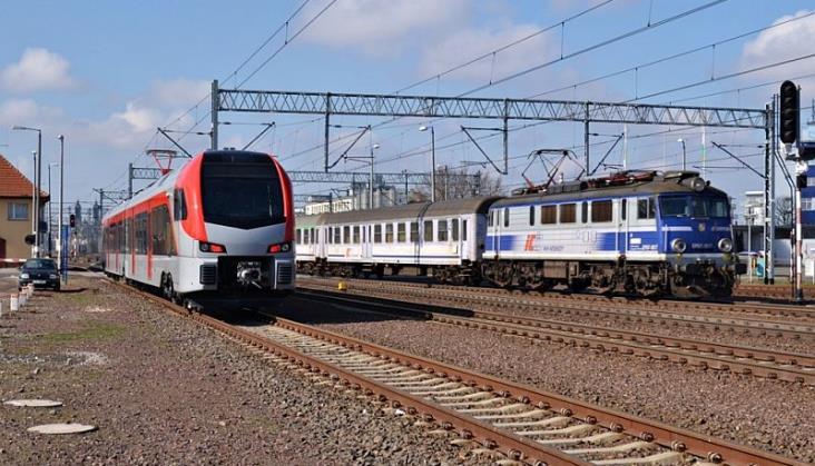 Rosnące ceny energii odbiją się na przewozach kolejowych? Jest stanowisko PKP IC [aktualizacja]