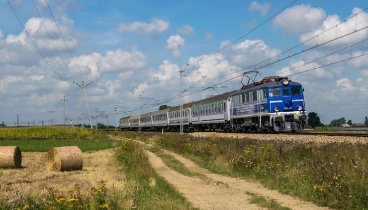 Dlaczego jedziesz koleją? – pyta pasażerów PKP Intercity