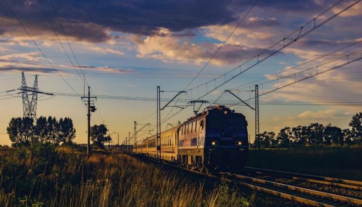 Liczba pasażerów kolei znów rośnie. W towarach zadyszka, ale wciąż jest dobrze