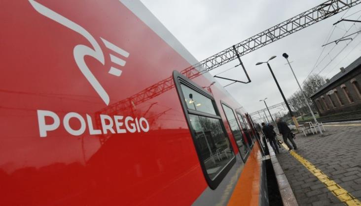 """16 sylwetek """"Regiobohaterów"""" na pociągach Polregio"""