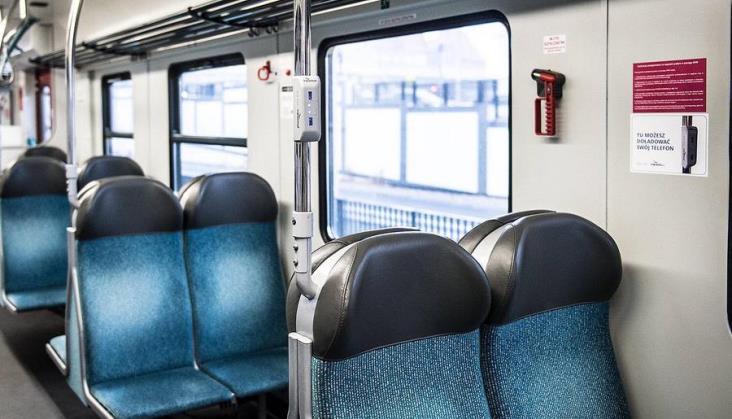 Ładowarki USB w 26 pociągach SKM Trójmiasto. Przewoźnik dostał je gratis