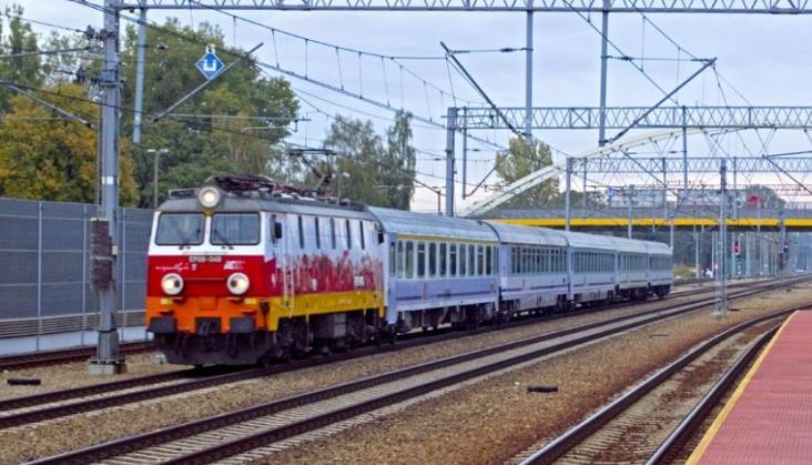 Październik ze świetnymi wynikami przewozowymi kolei pasażerskiej i towarowej