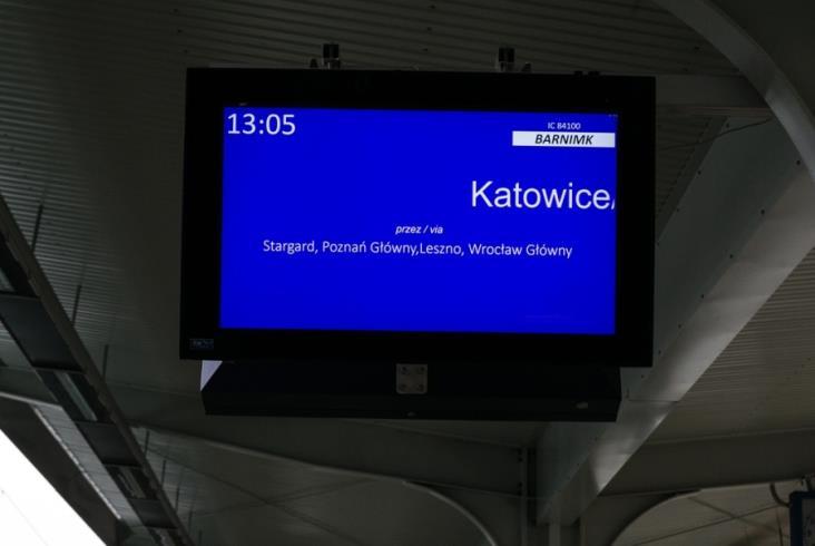 W Szczecinie Głównym są już nowe wyświetlacze. Zastąpiły zaledwie 6-letnie urządzenia [zdjęcia]