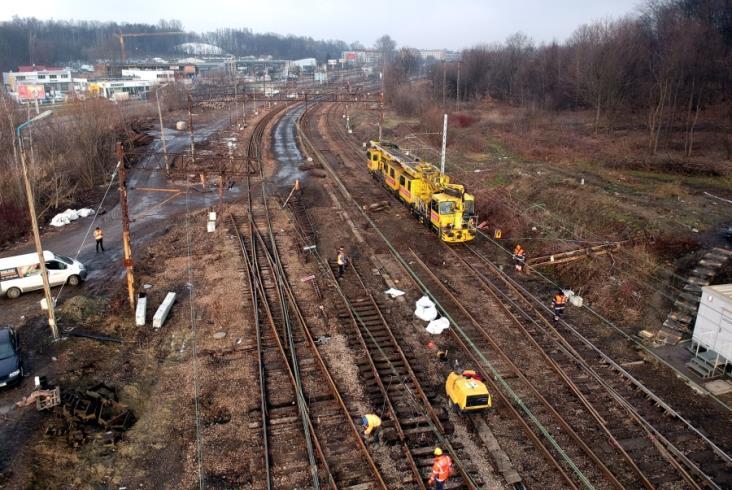 Nowe przystanki powstają na linii z Krakowa do Skawiny [zdjęcia]