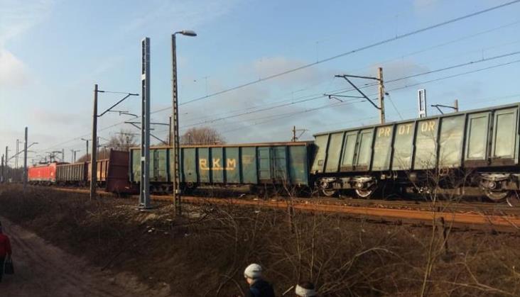 Wykolejenie pociągu w Kiekrzu, trasa Poznań-Szczecin zablokowana w obu kierunkach