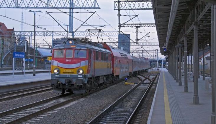 Ministerstwo Infrastruktury: Ulga 95-proc. na kolei nie może być stosowana podwójnie
