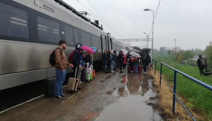 500 pasażerów pociągu Kijów – Przemyśl pozostawiono samym sobie w Medyce