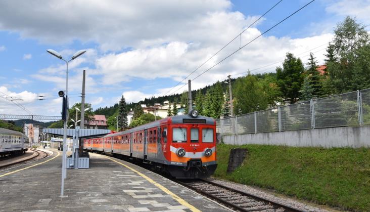 Obfite opady na południu Polski. PLK: Linie kolejowe są przejezdne