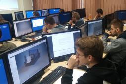 """Rusza rekrutacja na studia podyplomowe """"Budowa i Eksploatacja Pojazdów Szynowych"""""""