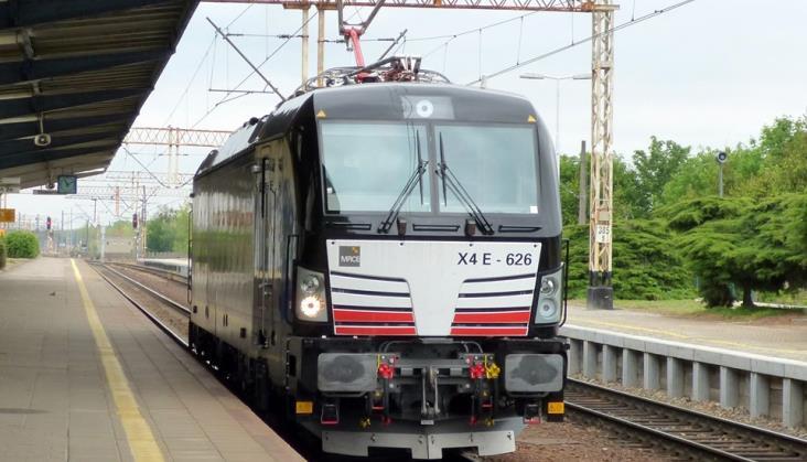 PKP IC: Wynajęty Vectron prowadzi już pociągi do Berlina