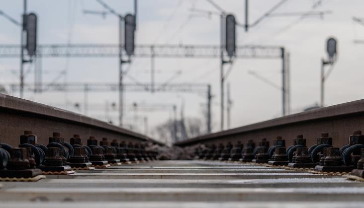 Spore opóźnienie na budowie łącznicy skracającej podróż z Kielc do Warszawy