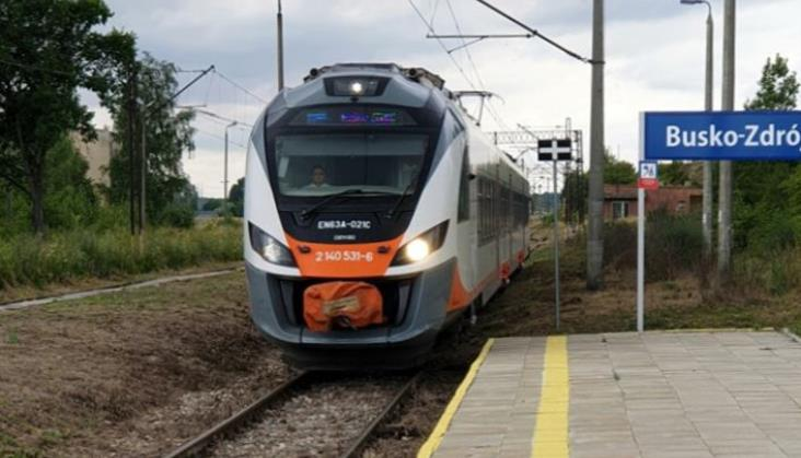 Sezonowe pociągi do Buska-Zdroju. Czy rozkład można było ułożyć lepiej?