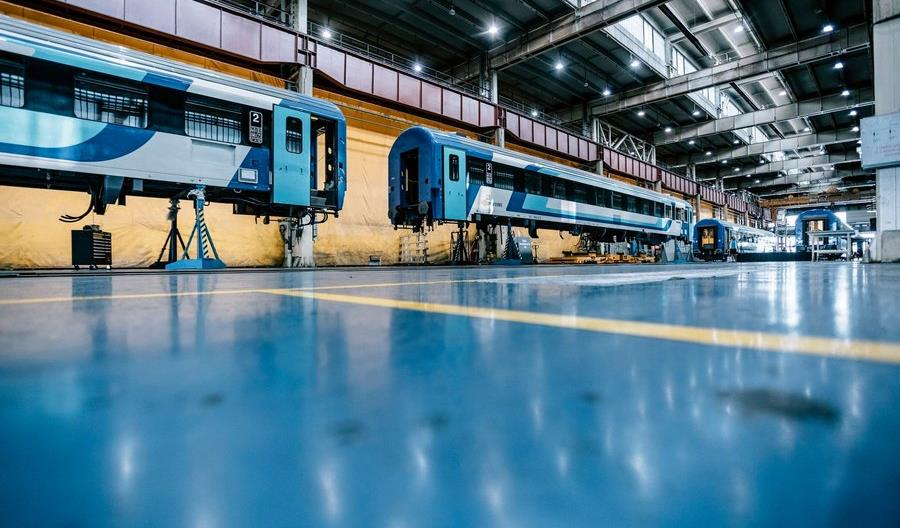 Węgrzy kupili wagony do pociągów międzynarodowych. Wjadą też do Polski