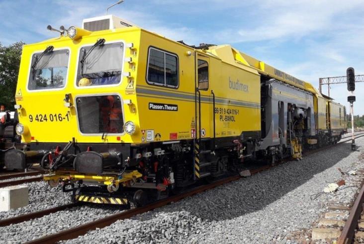 Budimex inwestuje w nowoczesne maszyny i pojazdy do modernizacji linii kolejowych [zdjęcia]