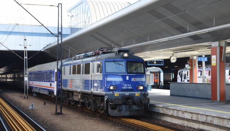 PKP Intercity: Wciąż rośnie liczba podróżnych między Warszawą a Krakowem